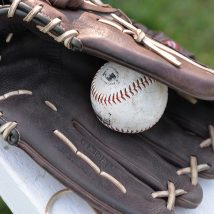 Hungary - Baseball glove