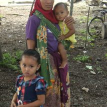 Indonesia - Mom and kids